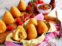 Arancini 2 FOOD & DRINKS