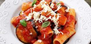 Pasta alla Norma 2 300x145 FOOD & DRINKS