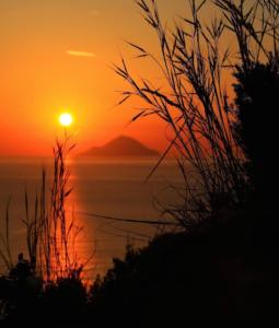 Isole Eolie 255x300 Luci della Sicilia   Lights of Sicily